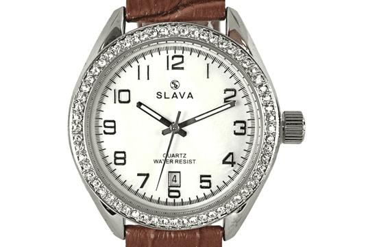 Slava Time Dámské elegantní hodinky SLAVA s kamínky SWAROWSKI a hnědým řemínkem Barva: hnědá, Velikost: UNI