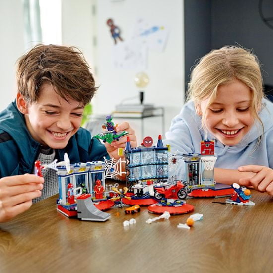 LEGO Super Heroes 76175 Útok na pavoučí doupě