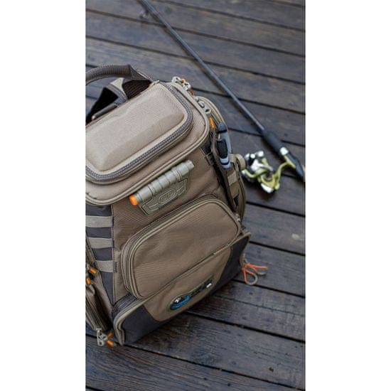 CLC Work Gear Batoh Wild River Nomad® s integrovanou LED svítilnou