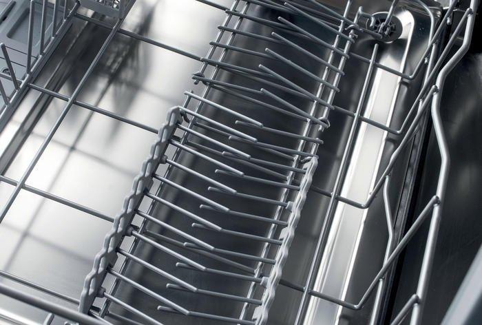Whirlpool WCIC 3C33 P Sklopné oporné prvky v spodnom koši
