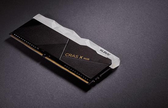 Klevv Cras X RGB pomnilnik (RAM), DDR4 16 GB (2x8GB), 3200 MHz, CL16, 1.35 V (KD48GU880-32A160X)