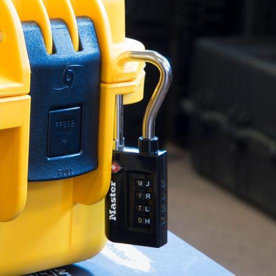 MasterLock 4696EURDBLK Visací kombinační zámek TSA