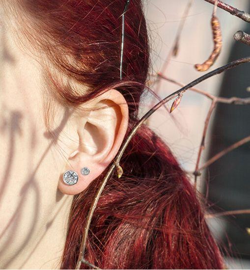 Beneto Bájos fülbevalók csillogó cirkónium kövekkel AGUP