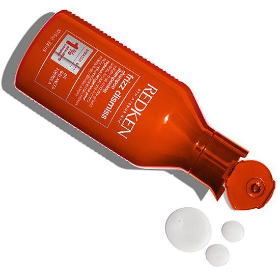Redken Izravnalni šampon za neurejene in frizzy lase Frizz Dismiss (Shampoo)