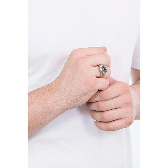 Emporio Armani Luksusowystalowy pierścionek z onyksem EGS2727040