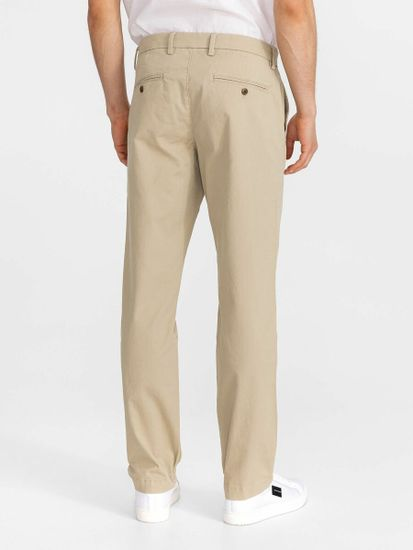 Gap Nohavice essential khakis in straight fit with Flex