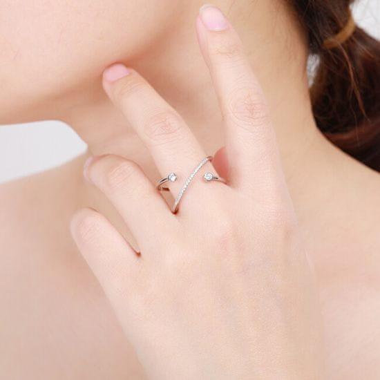 MOISS Originální stříbrný prsten se zirkony R00020 stříbro 925/1000