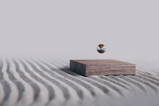 Flyte Levitující Buda Ball WALNUT