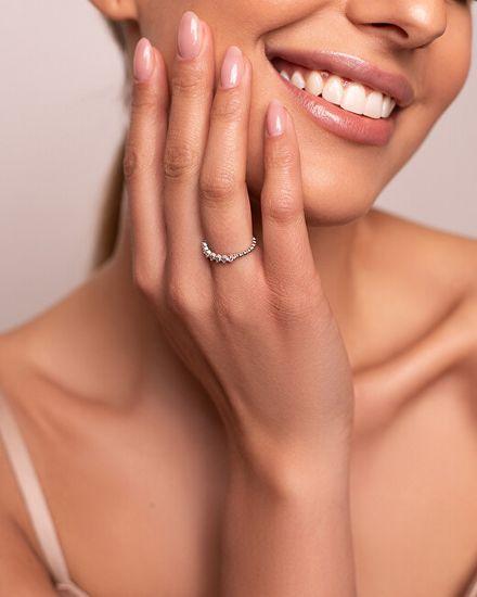 Brilio Silver Očarljiv srebrn prstan s cirkoni SR031W srebro 925/1000