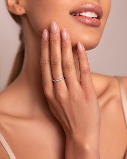 Brilio Silver Nežný strieborný prsteň so zirkónmi GR006W striebro 925/1000