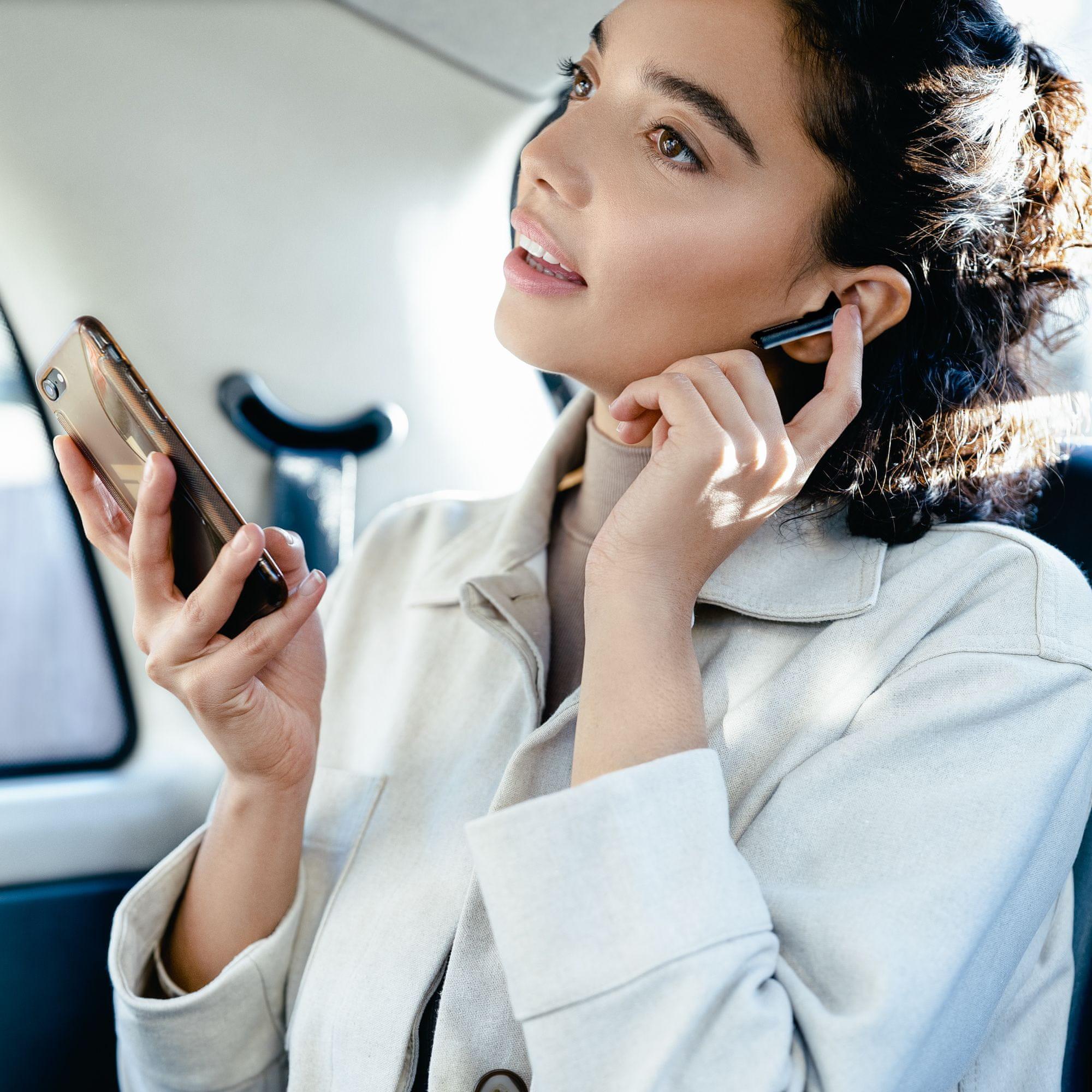 moderní Bluetooth sluchátka panasonic rz-b100 krásný zvuk bohaté basy výdrž 4 h nabíjecí box pro dalších 12 h krásný design pecky do uší ergonomicky tvarované hlasové ovládání handsfree funkce