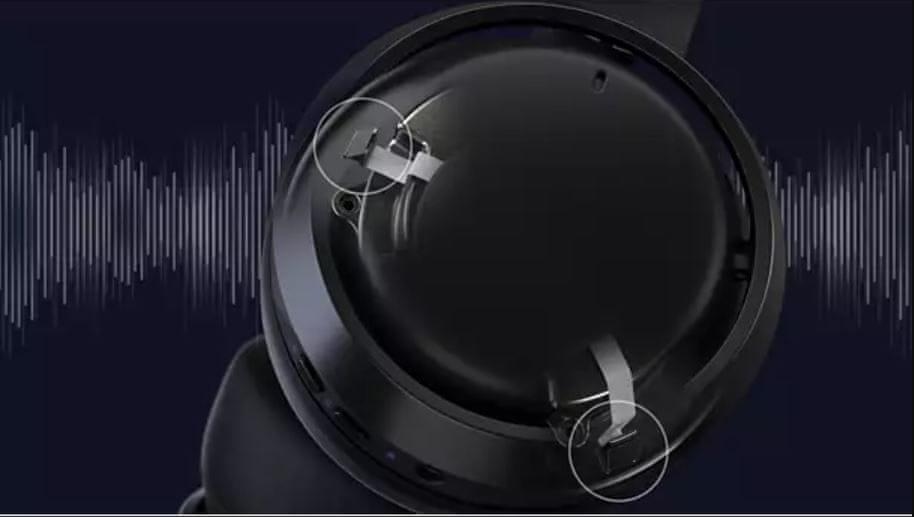Dva mikrofona in glasovno upravljanje