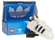 LEGO Creator Expert 10282 adidas Originals Superstar, motiv legendarnih tenisk