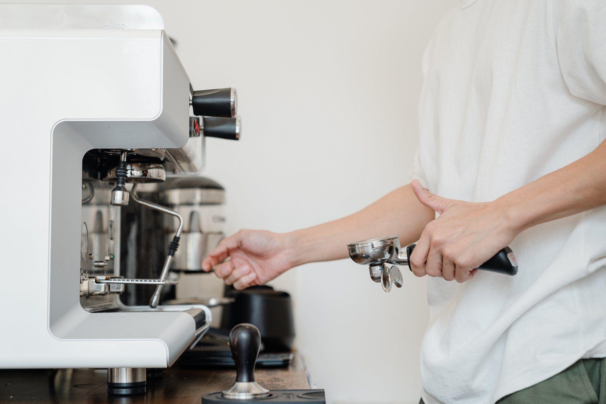 Jak odvápnit kávovar