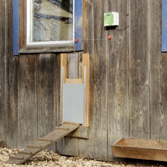 Kerbl Automatické dveře ke kurníku 40 x 43 cm